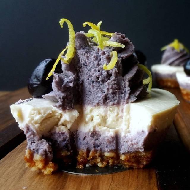 Throwback a estos impresionantes Cheesecakes de Limn y ArndanoMaqui Puedeshellip
