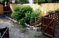 22 Wonderful Pallet Fence Ideas for Backyard Garden