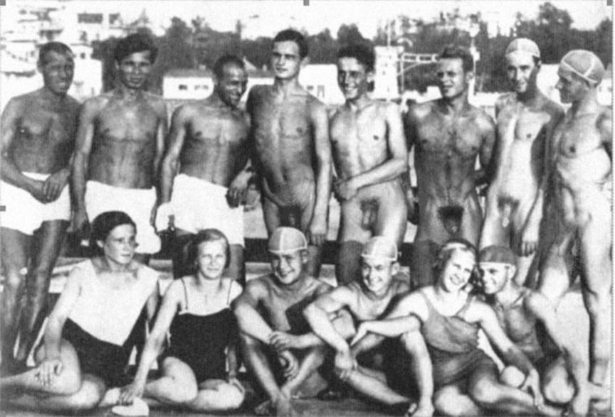 sports team girls nude
