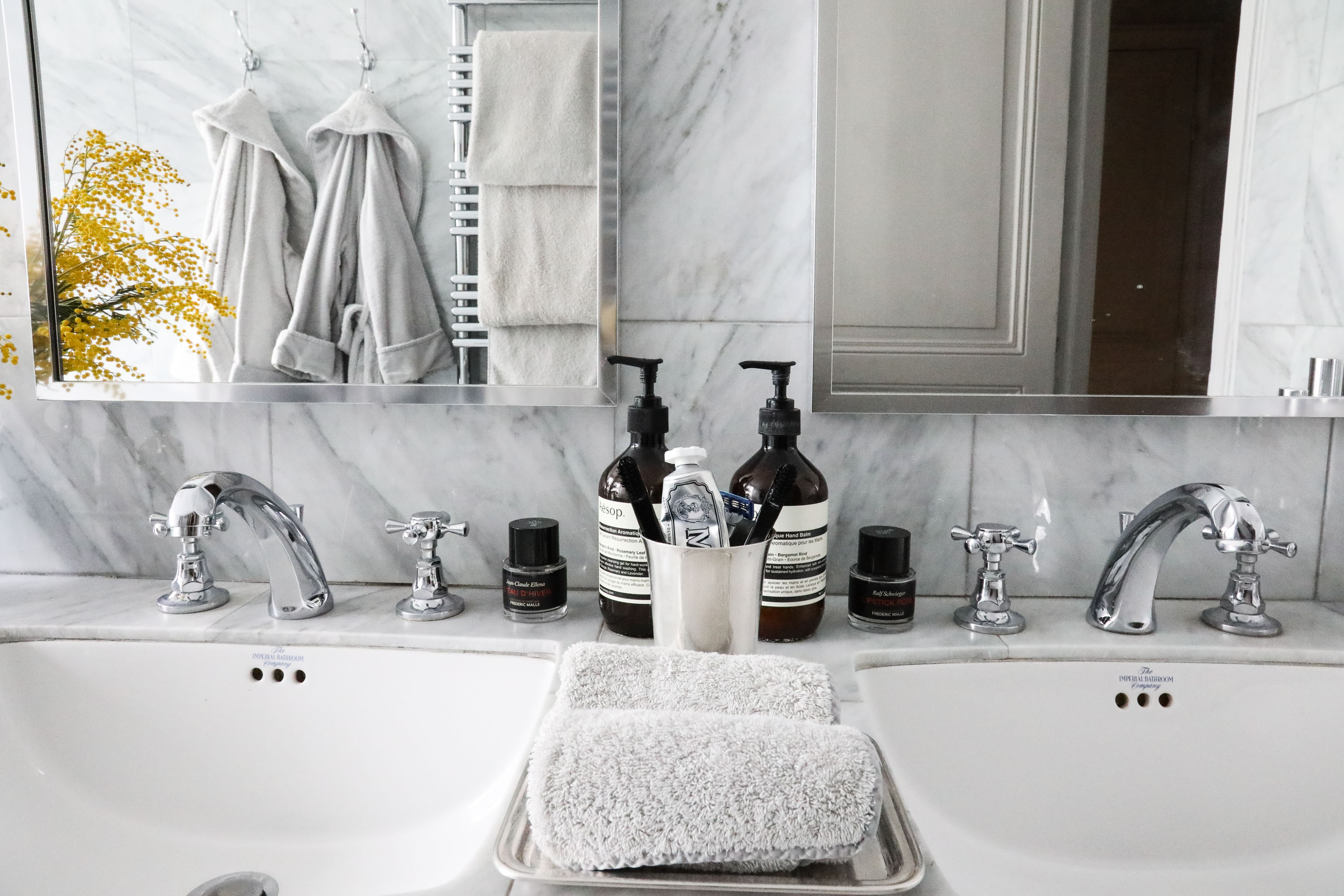 Rideaux Ampm Laine Accessorising Your Bathroom The Socialite Family