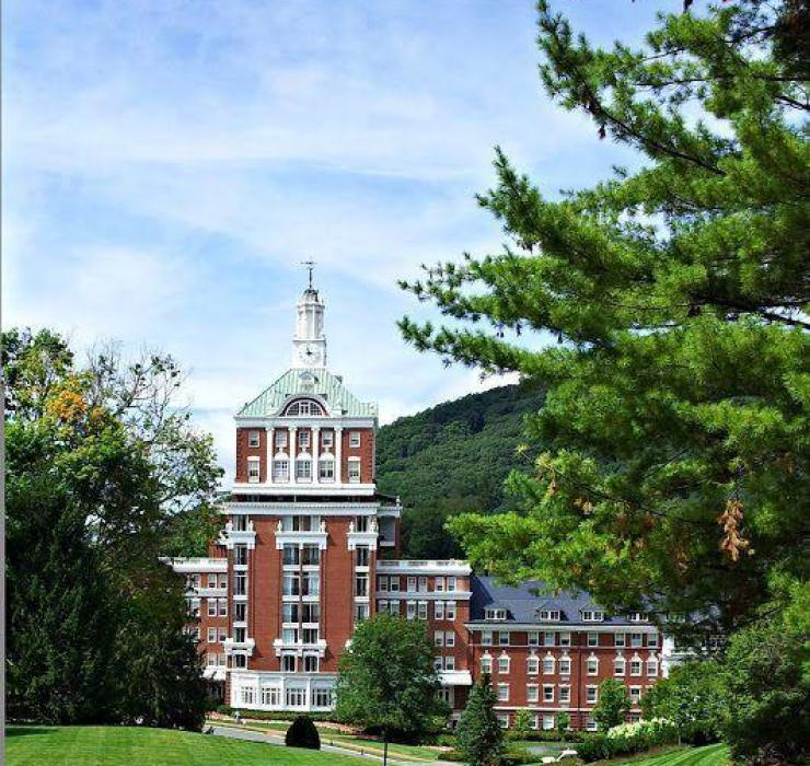 The Homestead Resort in Hot Springs, VA. Courtesy of Hines Sight Blog.