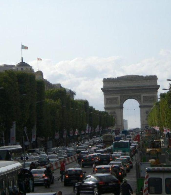 Paris Favorite Sites in the City of Lights. Champ Elysees