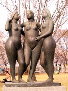 Seoul, Korea: Yeouido Cherry Blossom Festival 2013, Statue