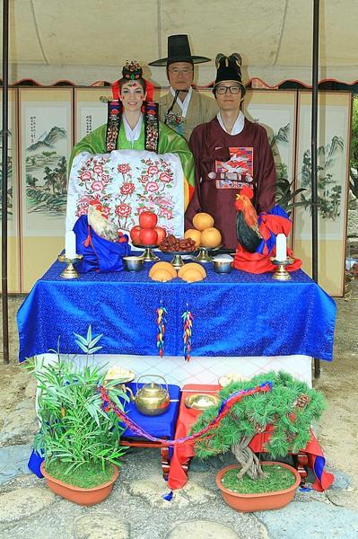 Korean Traditional Wedding: American wife & Korean husband in traditional Korean Hanboks