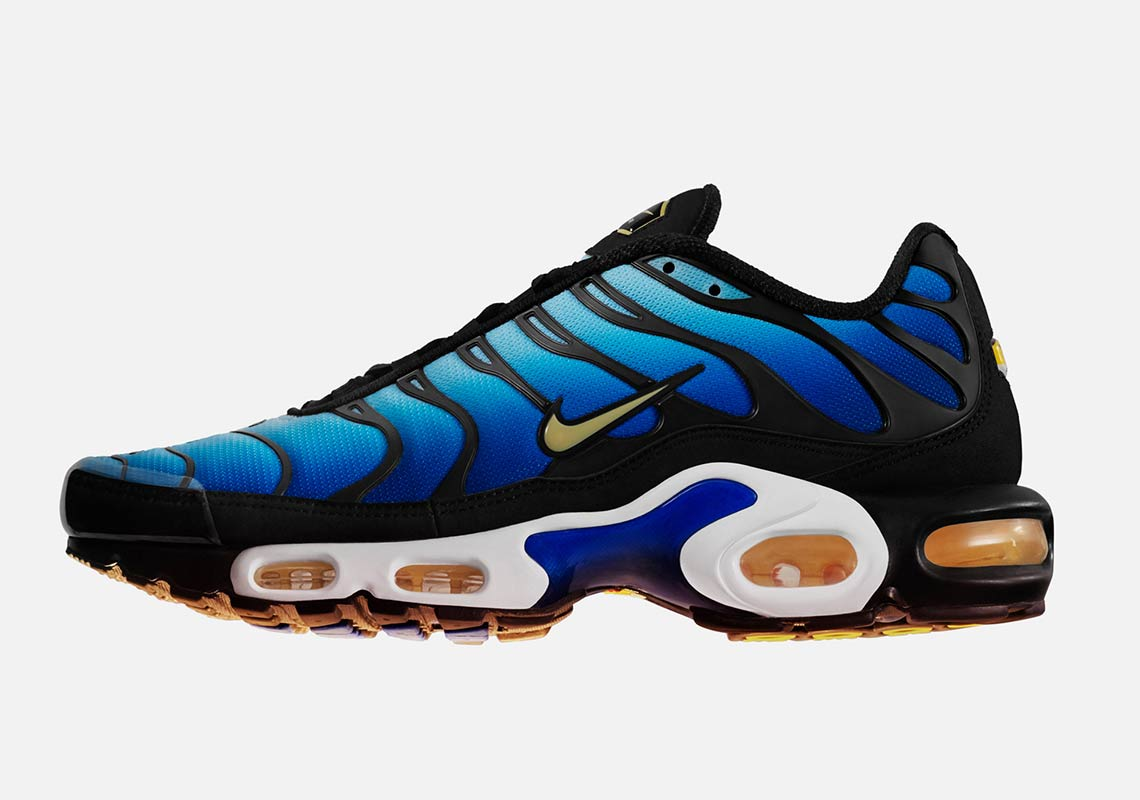 The Nike Air Max Plus Quot Hyper Blue Quot Returns Along With More