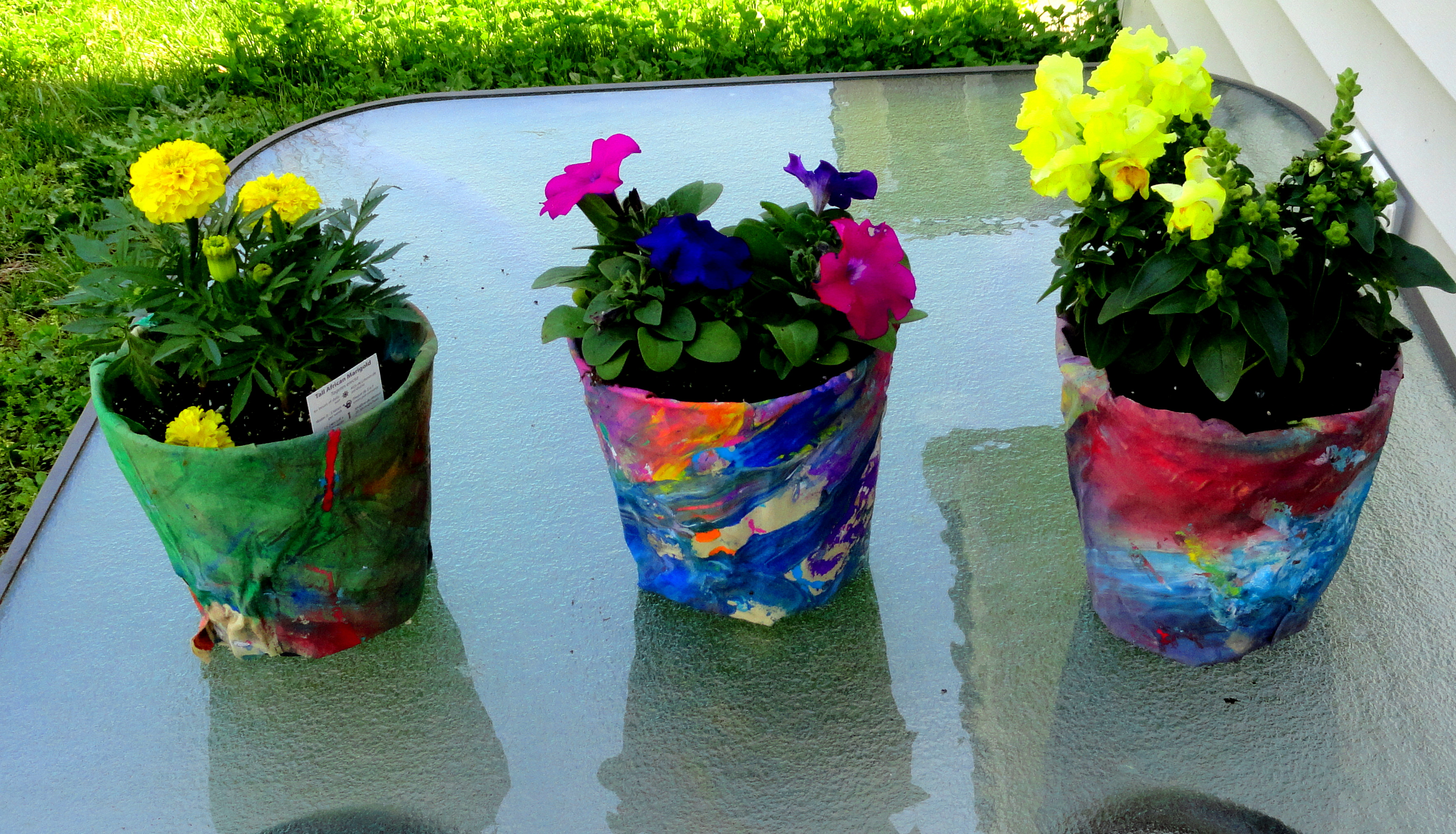 White Flower Pots For Sale April Showers Bring May Flowers Diy Flower Pots The