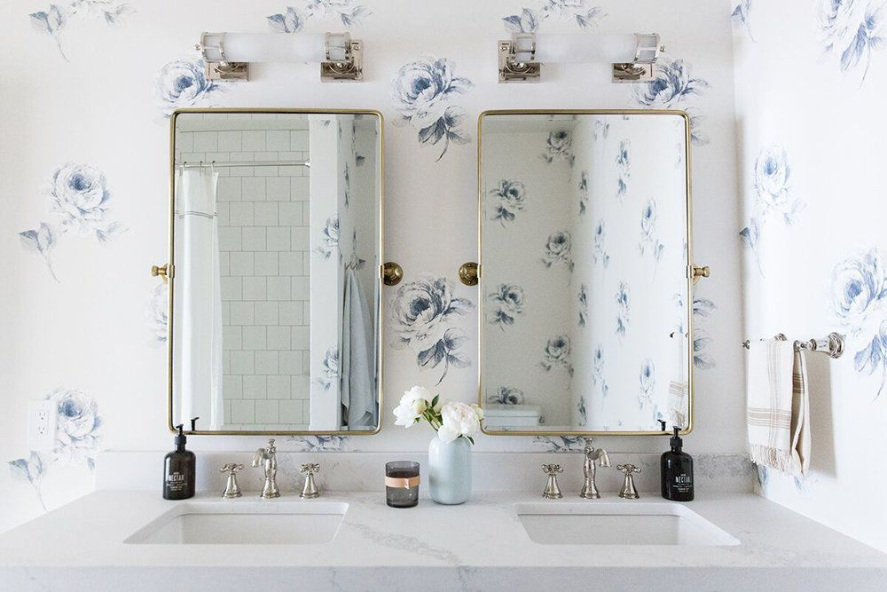 10 Navy Blue Bathroom Ideas