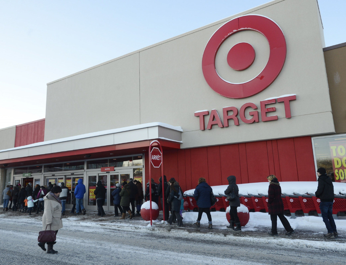 Liquidation World Toronto Target Canada Schedules More Stores For Closure Toronto Star