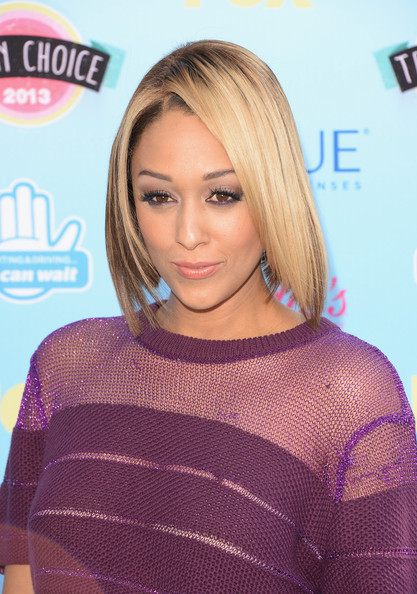 Pixie Cut News Tia Mowry Turns Her Blonde Hair Into A Bob Haircut – The