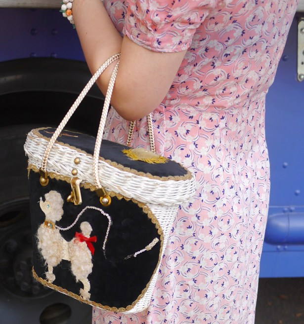 I know this poodle purse is more 50s and 20s, but it's so cute.