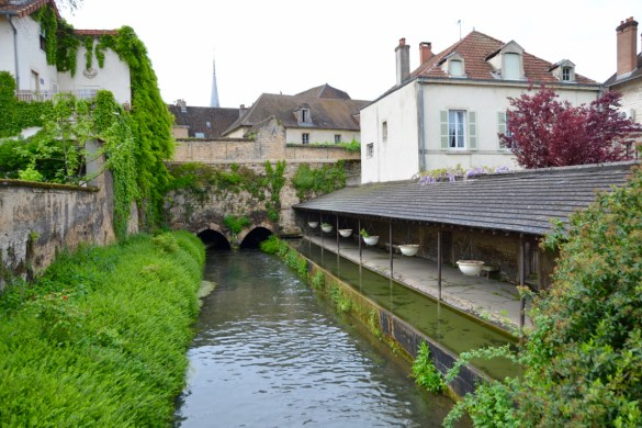 what to do, where to eat, traveling in Beaune, France // Thestylesafari.com