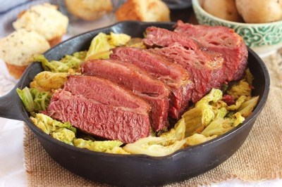 The Very Best Corned Beef and Cabbage - The Suburban Soapbox