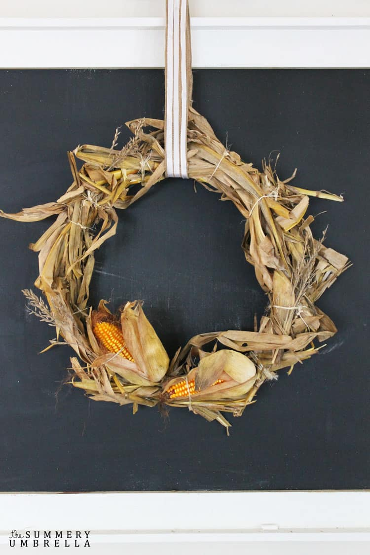 Diy Corn Husk Wreath The Summery Umbrella