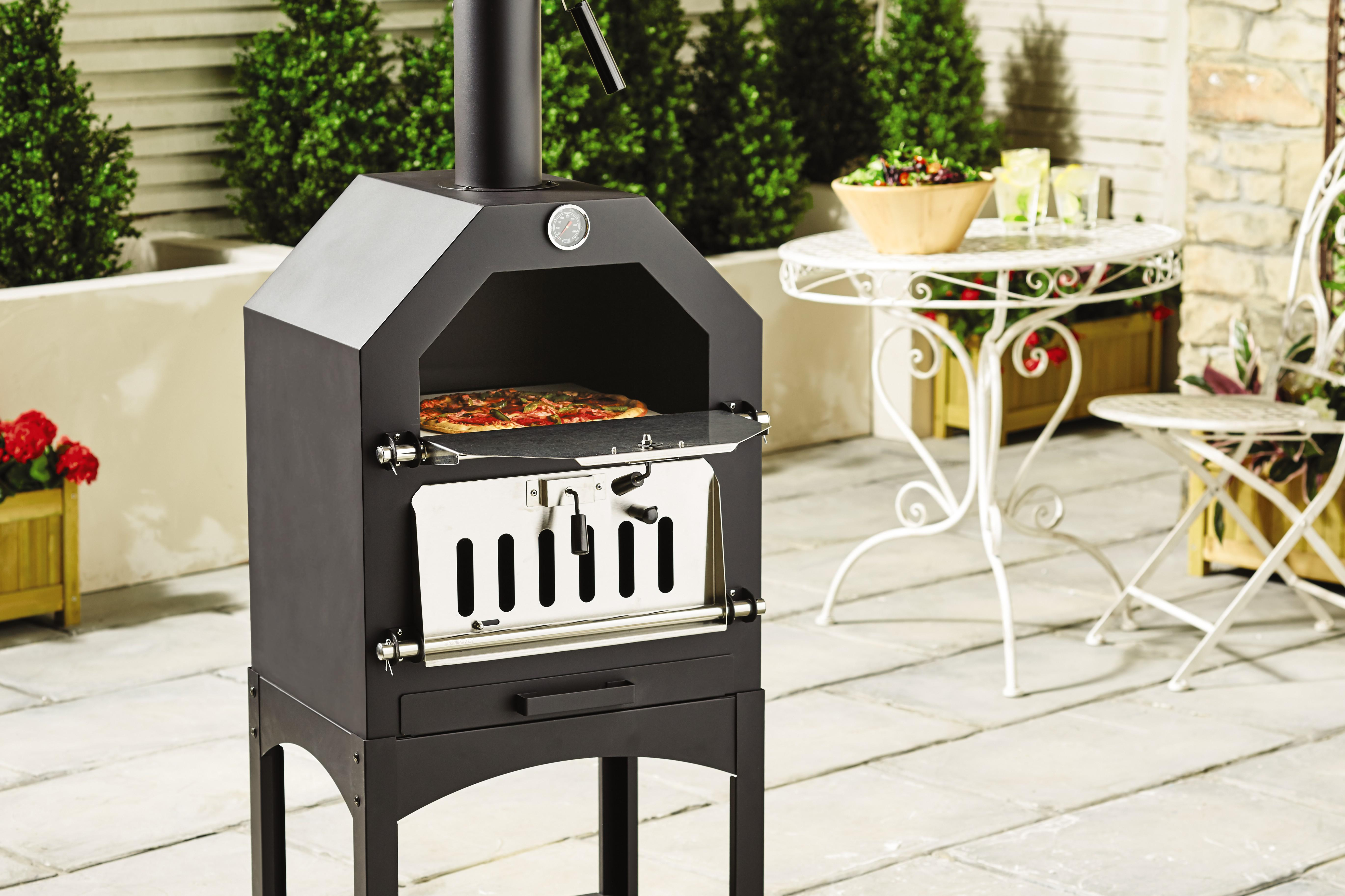 Barbecue Aldi Aldi Is Selling A 99 Pizza Oven Just In Time For The Scorching