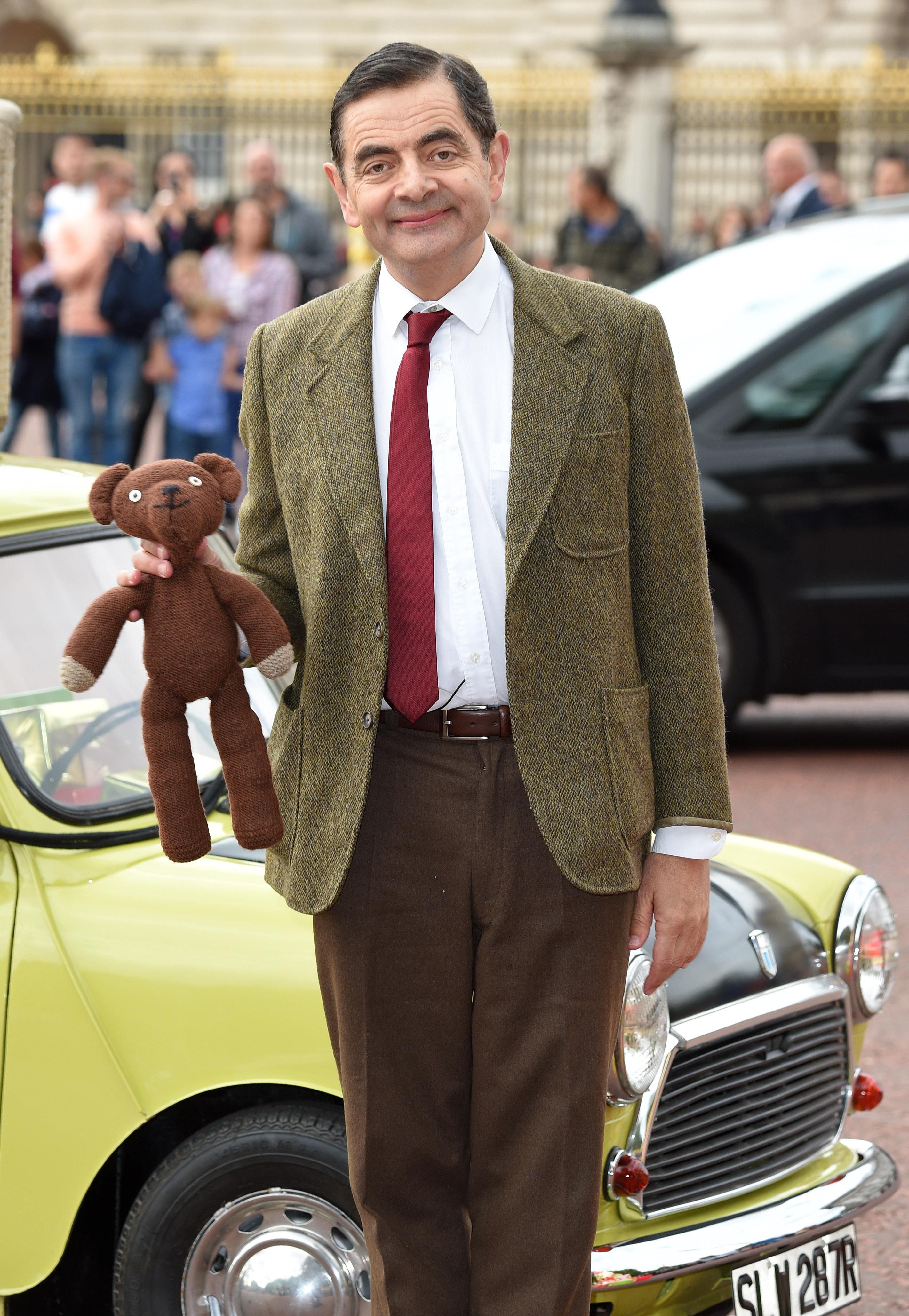 Mr Bean Bizarre Mr Bean Fan Theory Explains Why He Is So Odd And It