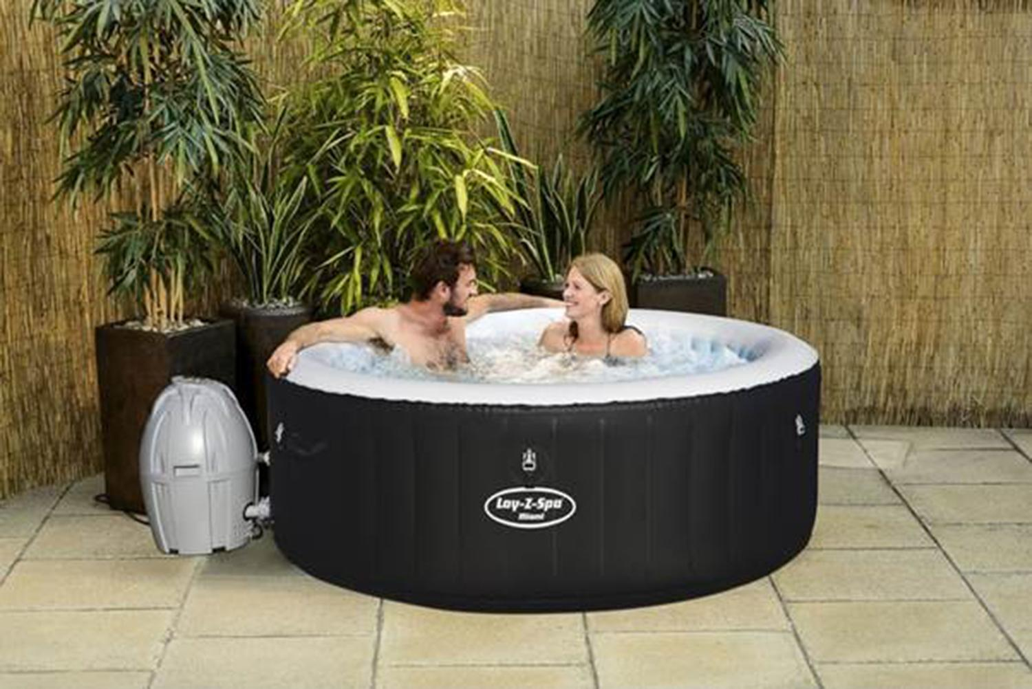 Jacuzzi Pool Argos B M Is Selling An Inflatable Hot Tub And It S Cheaper Than