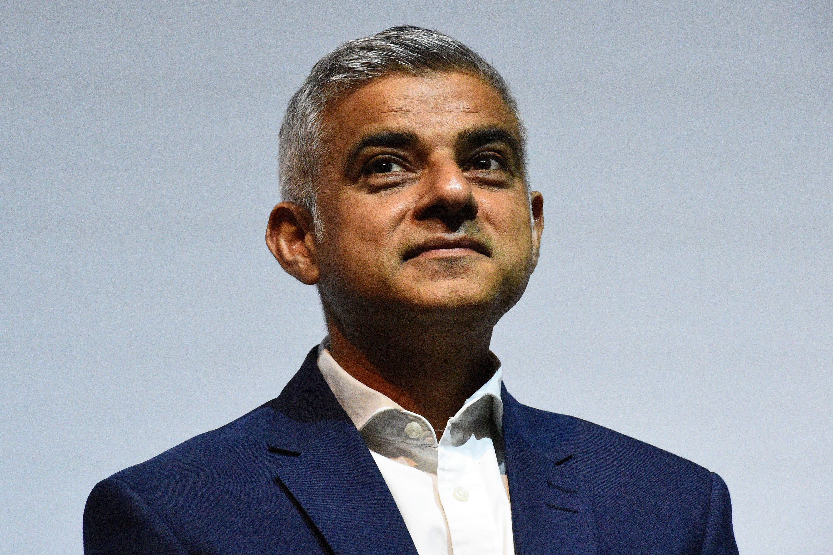 Cash Pool London Sadiq Khan Accused Of Blowing 200 000 Of Taxpayers Cash On