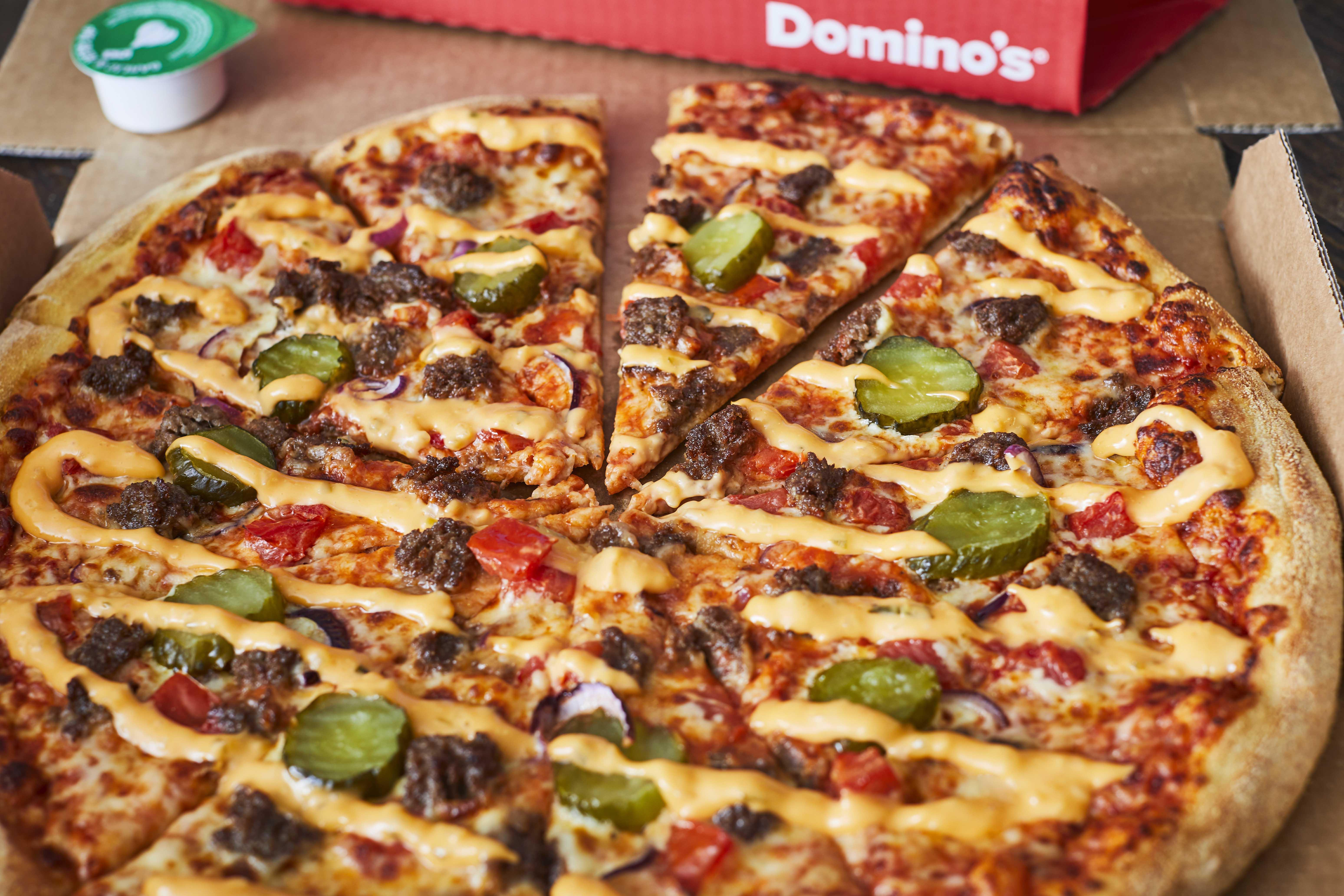 Dominos Domino S Now Does A Cheeseburger Pizza And We Re Not Sure