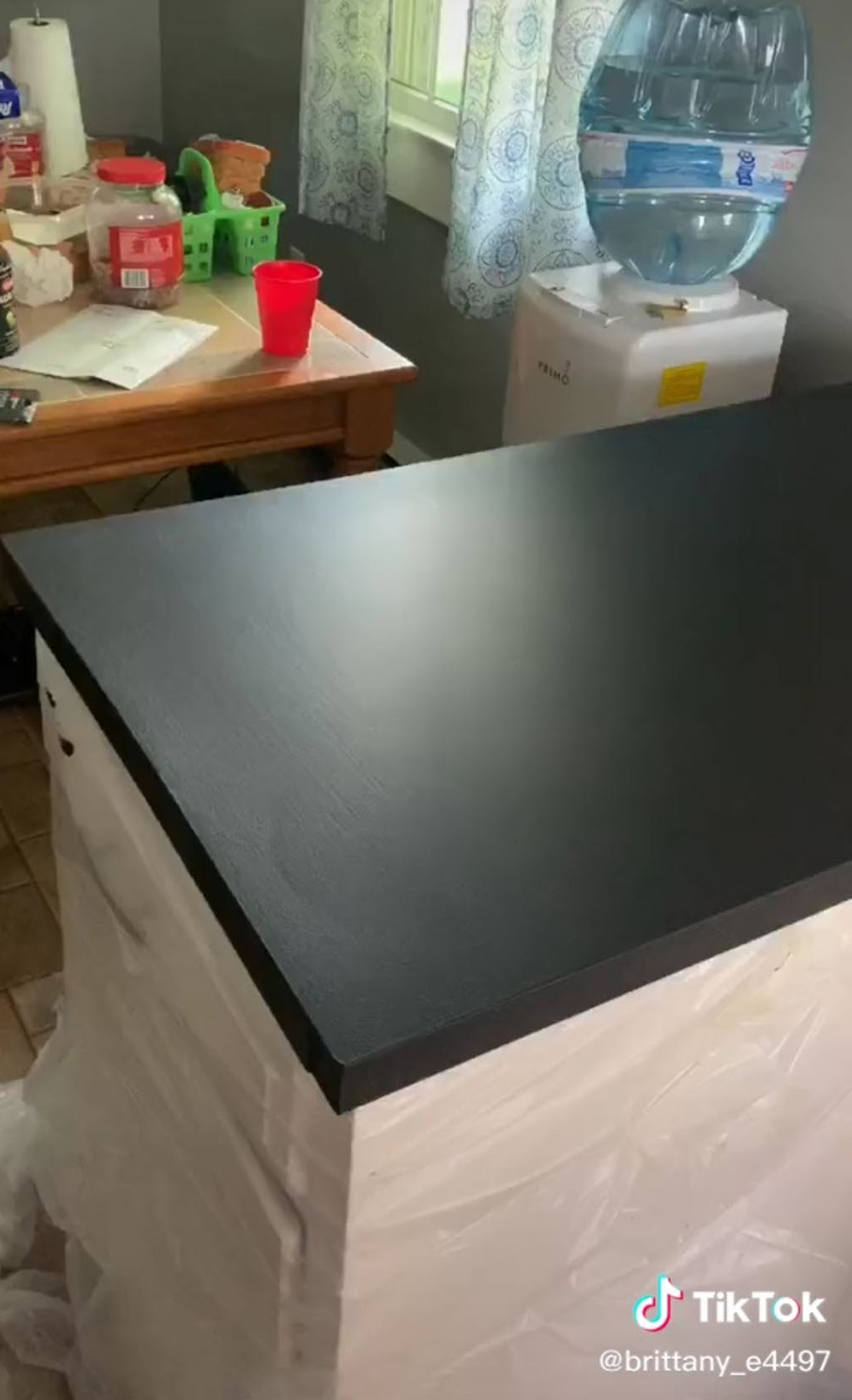Teacher Desperate For 2 5k Marble Worktops Fakes Her Own With Spray Paint And You Won T Believe How Easy It Was