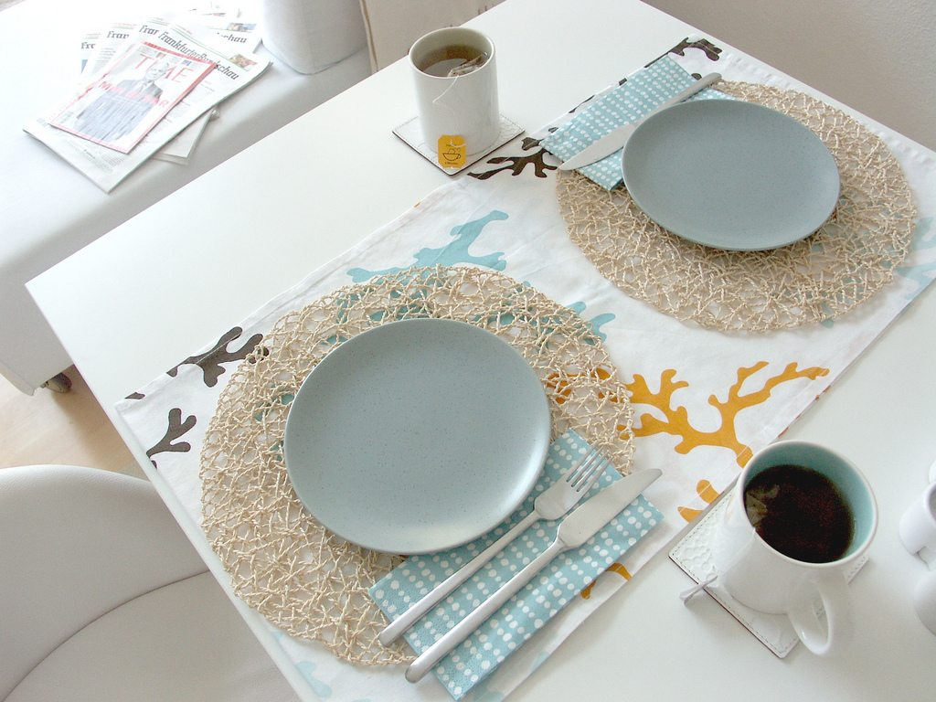 Modern Table Setting Modern Ocean Inspired Table Setting The Sweetest Occasion