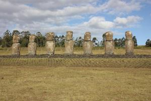 EI_Seven_Moai
