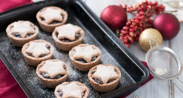 Healthy-Vegan-Mince-Pies_landscape-tray-768x512