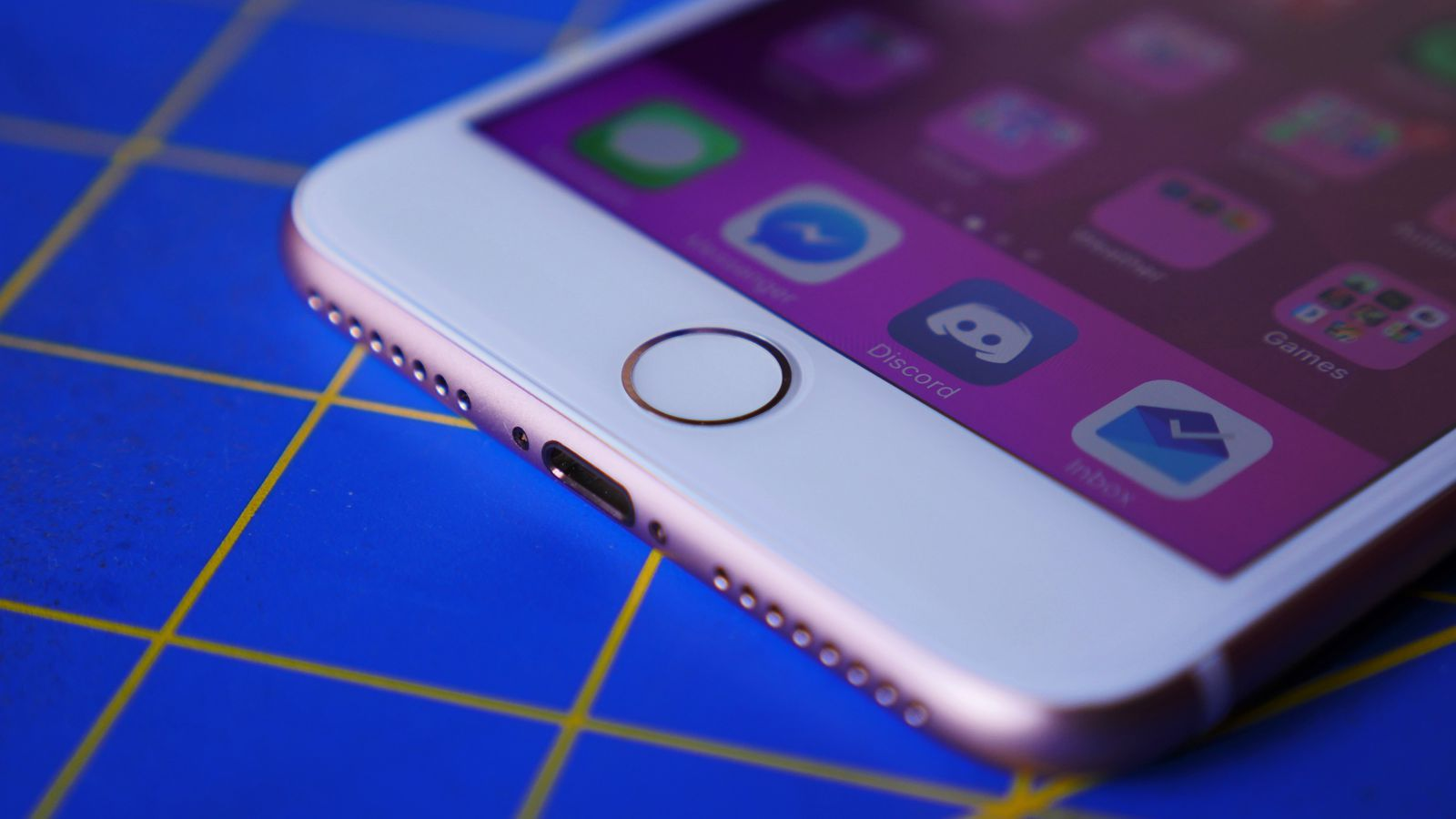 There's a software workaround if your iPhone 7's home button fails