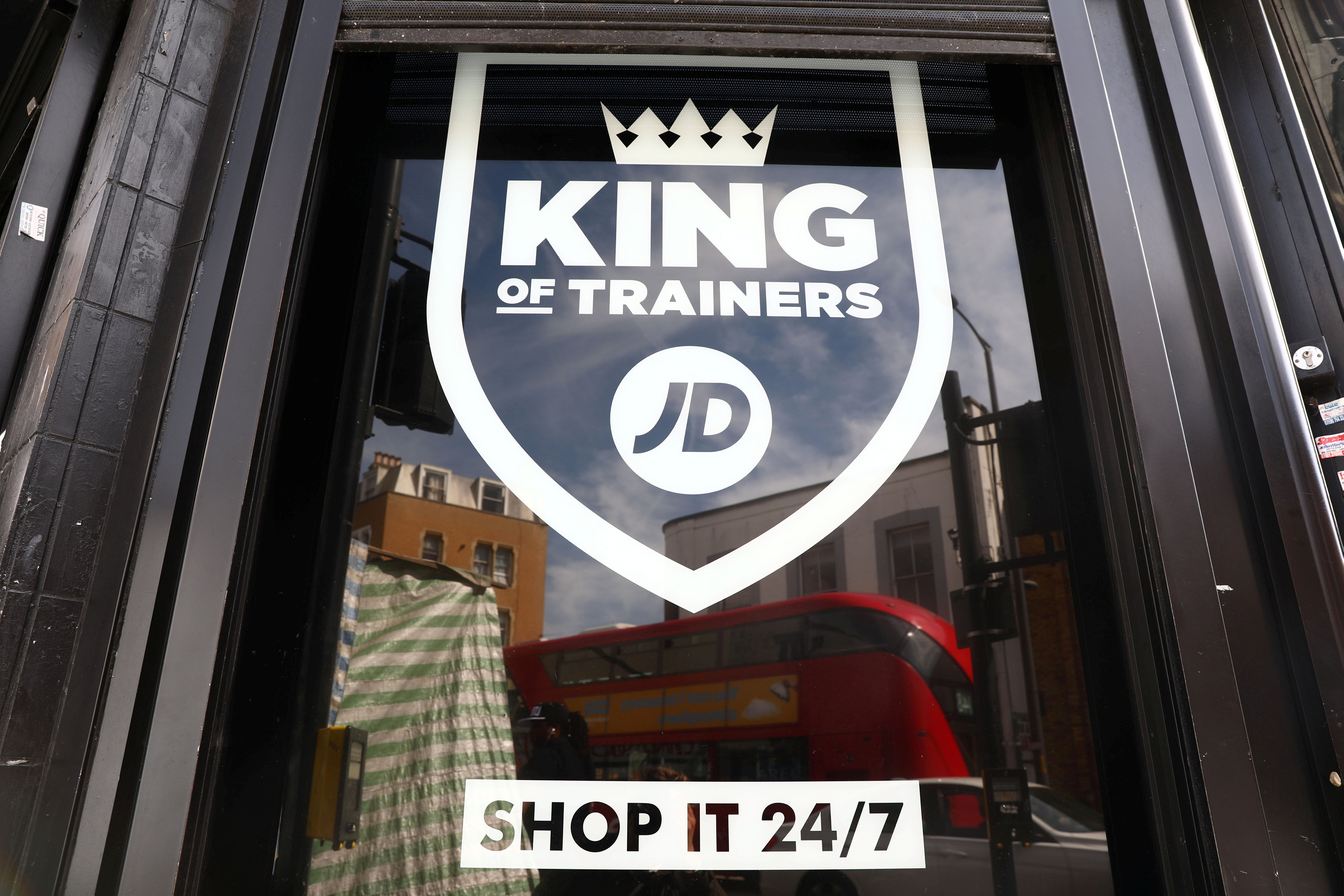 Jd Sports Jd Sports Gets Head Start By Refusing To Cut Prices