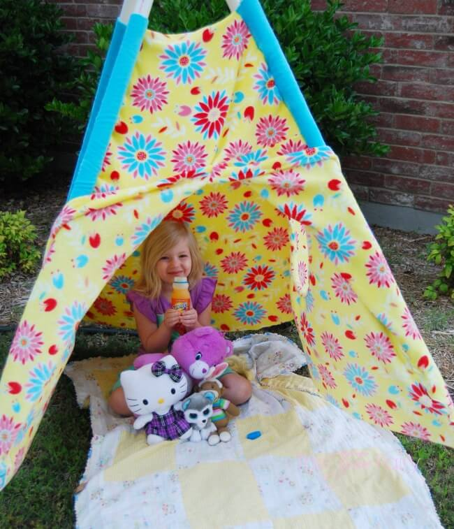 Have Fun in the Sun and make your own Play Tent for your kids - easy tutorial with no pattern!   The TipToe Fairy #ad #WhereFunBegins