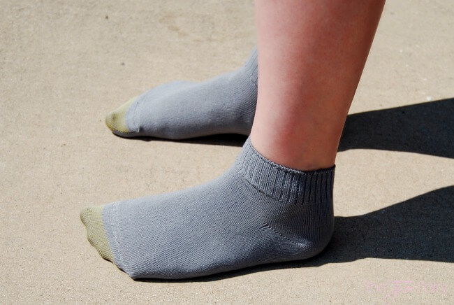 Put yourself in the luxury of Oh. So. Soft. Gold Toe socks! #OhSoSoft #IC #ad | The TipToe Fairy