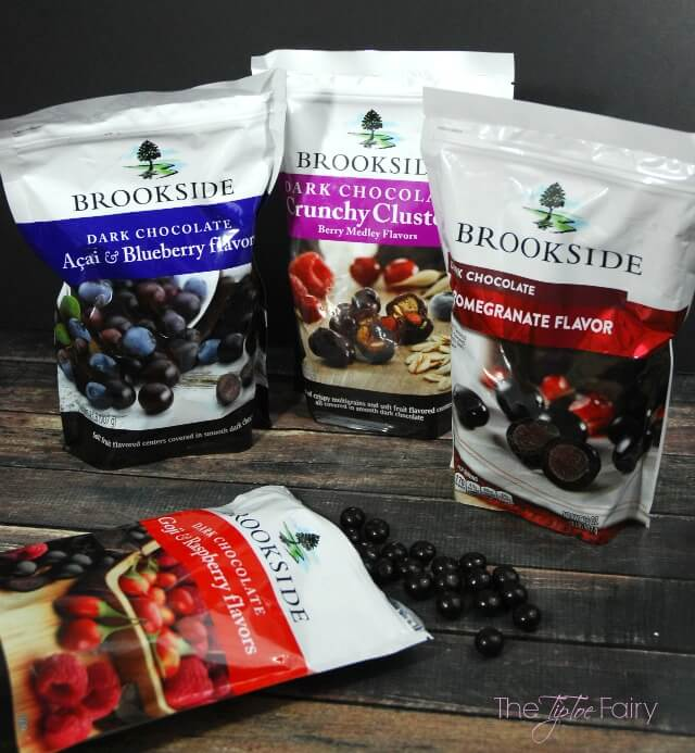 Raspberry Cheesecake Squares with Brookside Chocolate - a delicious dessert! #ad   The TipToe Fairy
