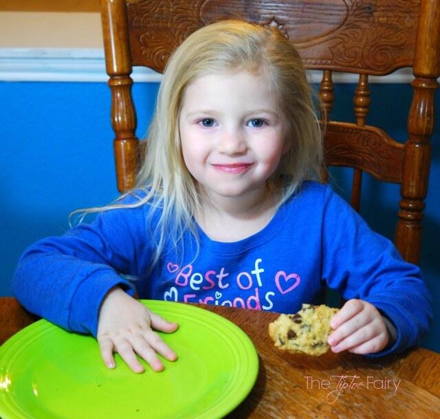 #SpreadCheer wtih Easy Holiday Treats w @BettyCrocker! #ad https://ooh.li/c6335e1 #cookies #christmas