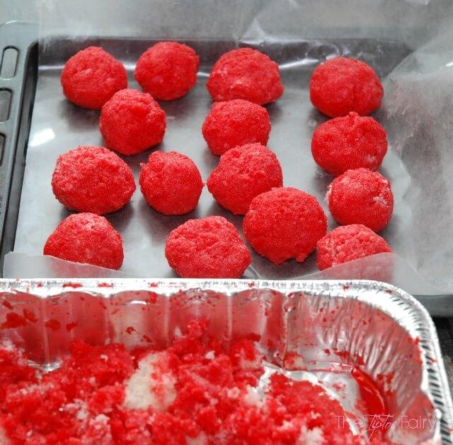 Raspberry Jello Shot Cake Balls - easy to make & perfect #treat for #NYE! #newyears
