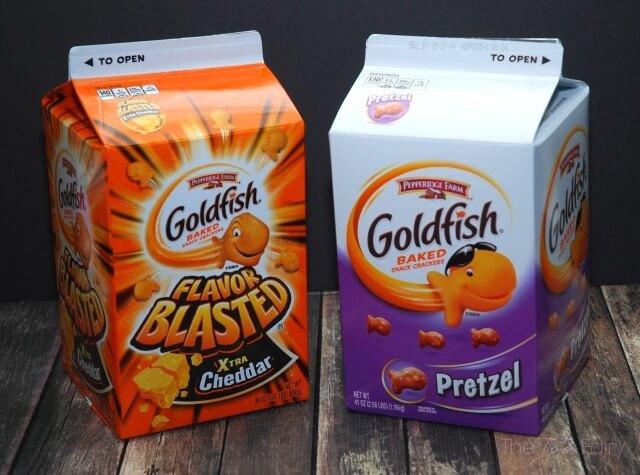 Cheeseburger Skillet Meatballs w a cheesy surprise @GoldfishSmiles AD #GoldFishMix #Walmart