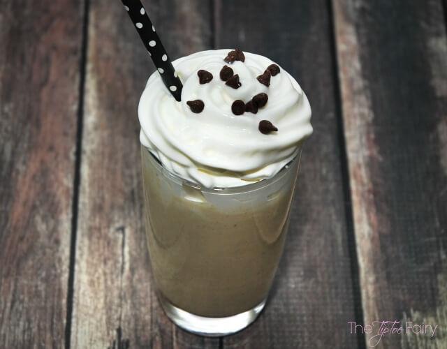 Healthy Peanut Butter Milkshake - delicious & #healthy frozen treat! #peanutbutterbash #glutenfree