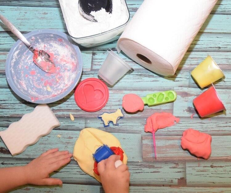 Make 2-Ingredient Pudding Playdough w/ the kids! #PGDetailsMatter#IC#ad
