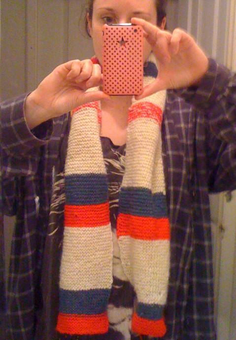 Making a scarf in Keri Keri, New Zealand, waiitng for kiwis