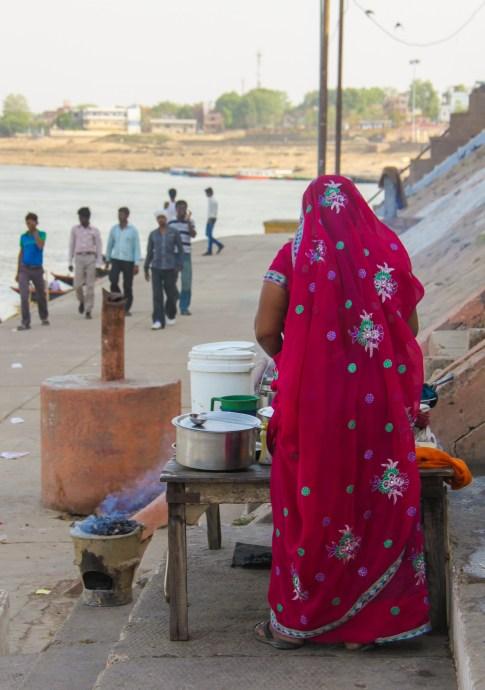 Woman in Varanasi India - International Women's Day - thetraveloguer travel blog