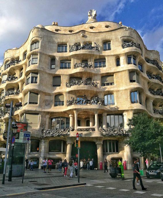 barcelona street photography - gaudi - the traveloguer travel blog