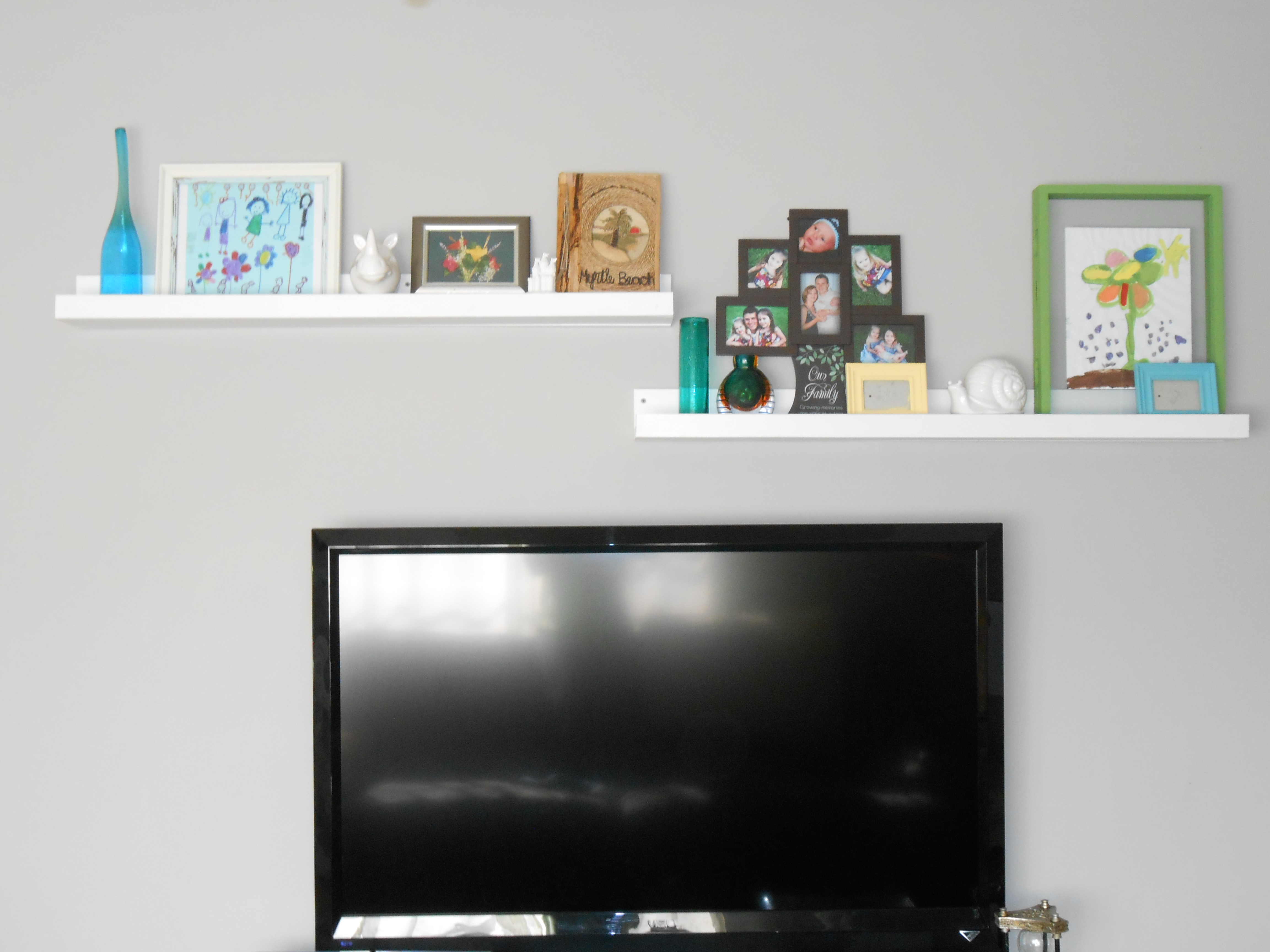 Hanging Art Above Tv Tv Wall Decor The Ugly House We Love