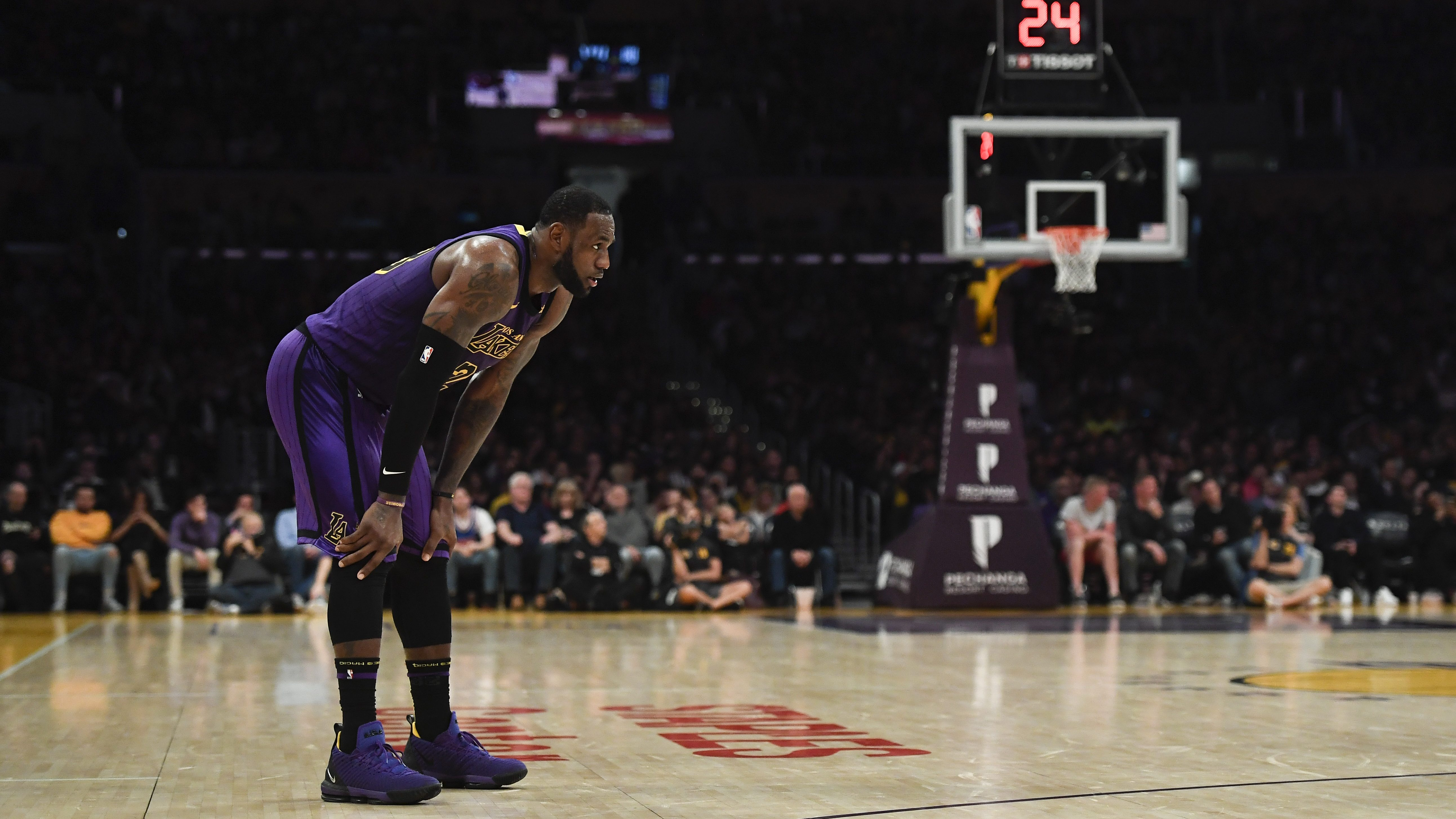 Wack Sport Tennis De Table Much Hated On Lebron James Is Living His Kingdom Come Season