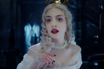 gallery-1446733025-movies-alice-through-the-looking-glass-anne-hathaway