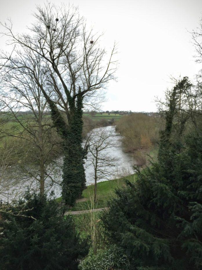 在下雨前,怀河拍摄