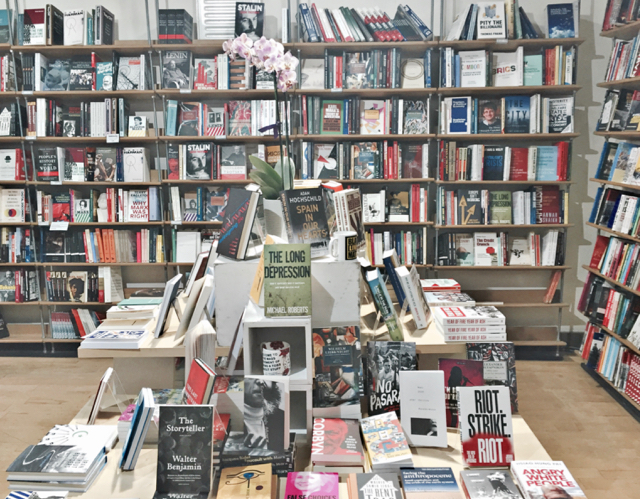 bookmarks-bookcase-bookshop-london-interior-the-urban-watch-magazine