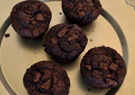 Σοκολατένια vegan μάφιν με παντζάρι
