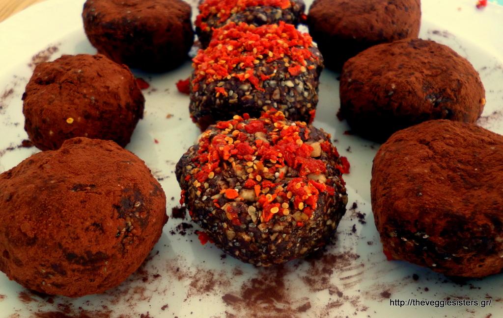 Σοκολατένια πρωτεϊνούχα τρουφάκια με άρωμα πορτοκαλιού