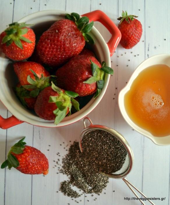 Πανεύκολη μαρμελάδα φράουλα με σπόρους chia χωρίς βράσιμο