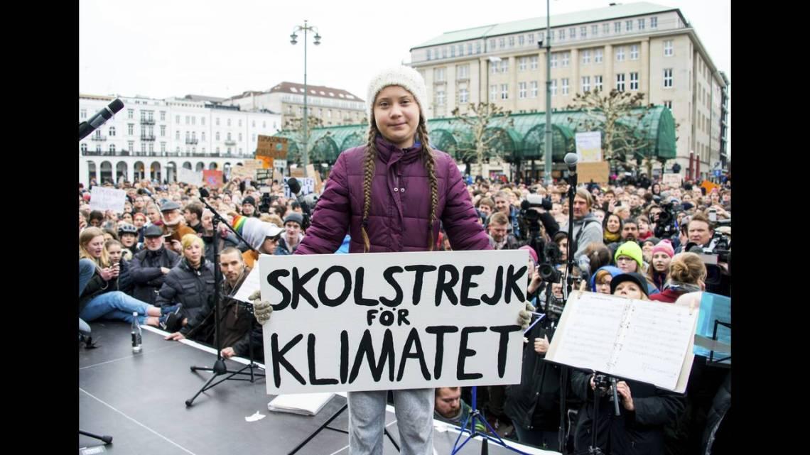 Η Greta Thunberg καλεί σε σχολική απεργία για το κλίμα