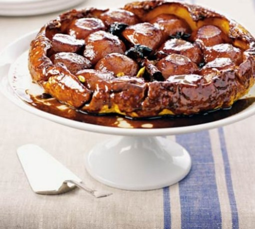 Apple And Pomegranate Tarte Tatin Recipe — Dishmaps
