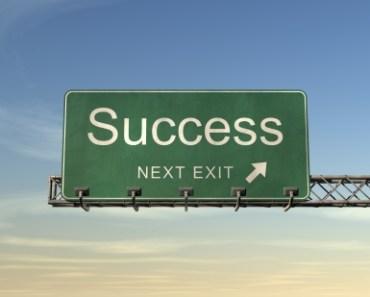 success-road-sign